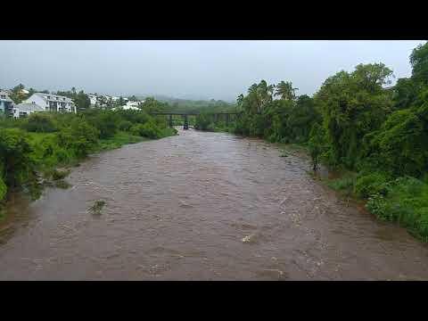La Ravine du Gol à Saint-Louis pendant la tempête Berguitta