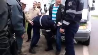 Скандал на трассе Кишинев-Кантемир: водитель едва не подрался с полицейскими