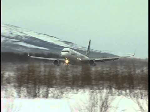 Взлет/посадка при сильном ветре в аэропорту Сокол