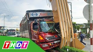Xe tải húc vào chân cổng chào Mỹ Tho, Tiền Giang   THDT