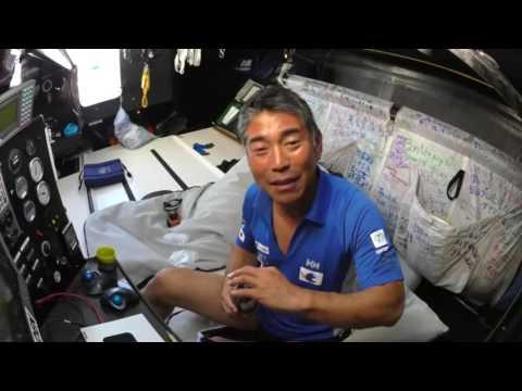 D14 : Kojiro Shiraishi crosses the equateur / Vendée Globe