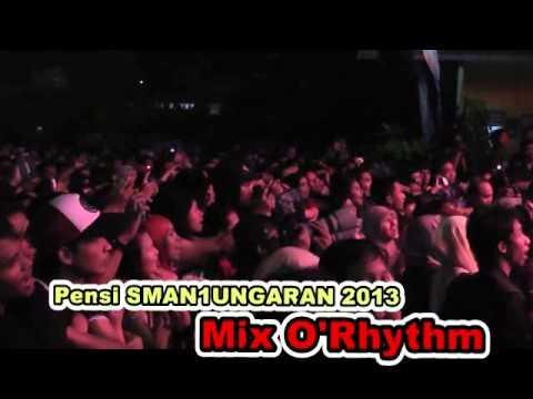 Raisa Terjebak Nostalgia by Reddy Pensi SMAN 1 Ungaran 2013. Mix O'Rhythm
