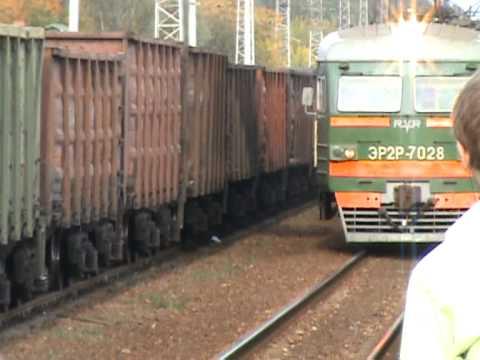 Электропоезд ЭР2Р-7028 станция Голицыно