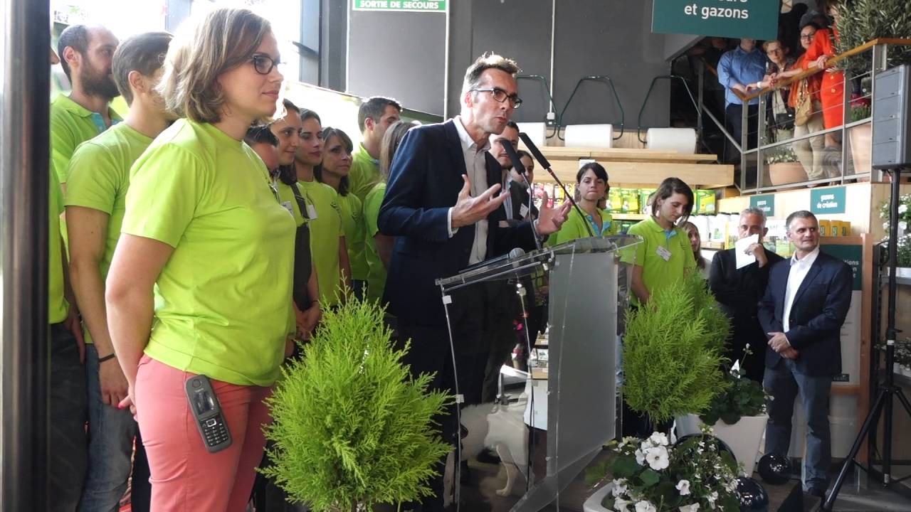 olivier morignot directeur du magasin botanic de rueil malmaison l 39 inauguration du 09 06. Black Bedroom Furniture Sets. Home Design Ideas