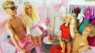 Rodzinka Barbie - Dwie Barbie i Dwa Keny Two Barbie and Two Ken - bajki dla dzieci