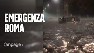 Grandinata su Roma, i video del maltempo: persone bloccate in auto. Allerta meteo a Napoli