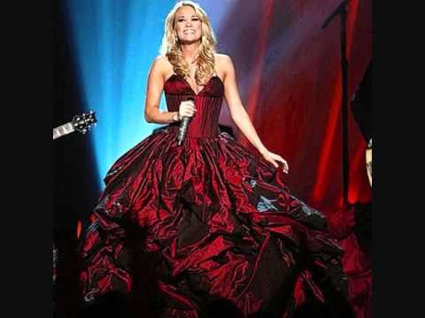 The First Noel - Carrie Underwood (+lyrics) - YouTube