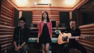 Cơn Mưa Ngang Qua -Acoustic Cover- Hòa Minzy ft Tùng Acoustic, Drum Týt Nguyễn