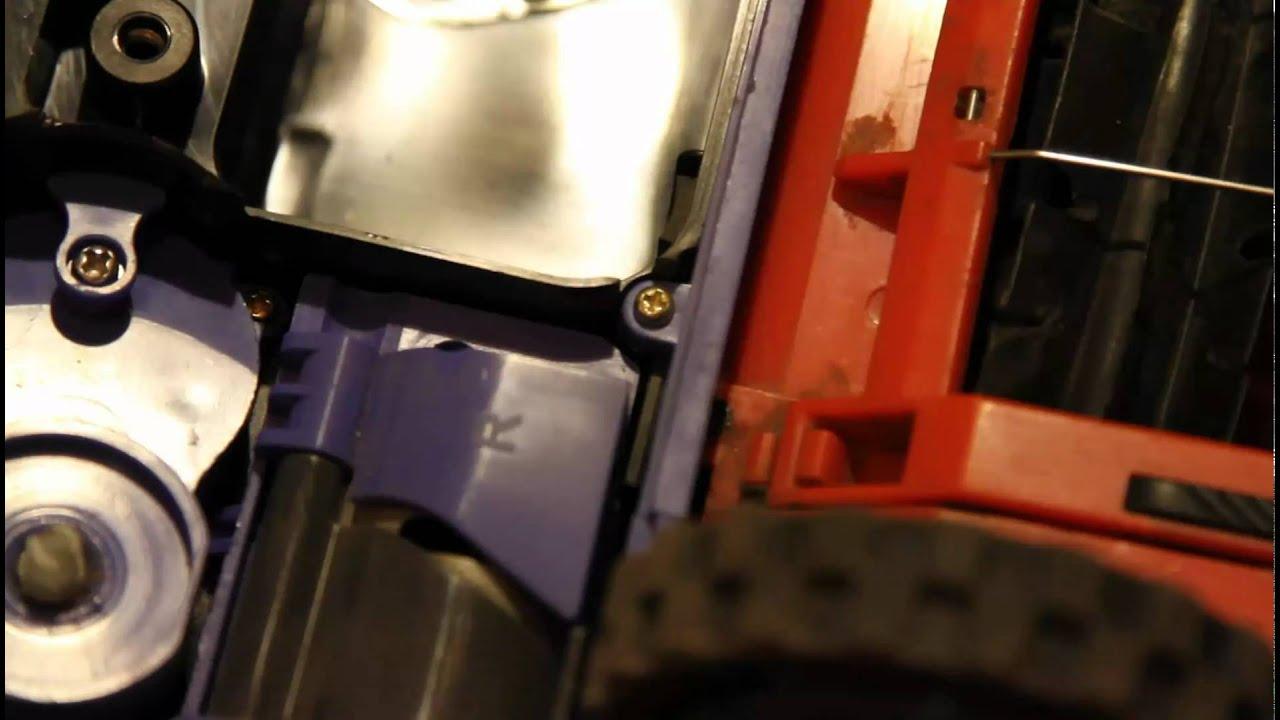 demonter 1/ remplacer remove replacement brush batterie battery irobot  roomba 5XX 6XX7XX