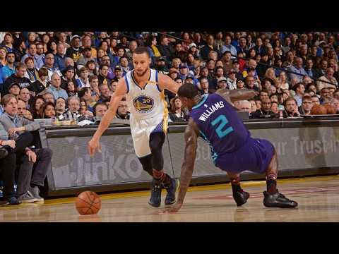 Stephen Curry Crosses Over and Drops Defender | 02.01.17