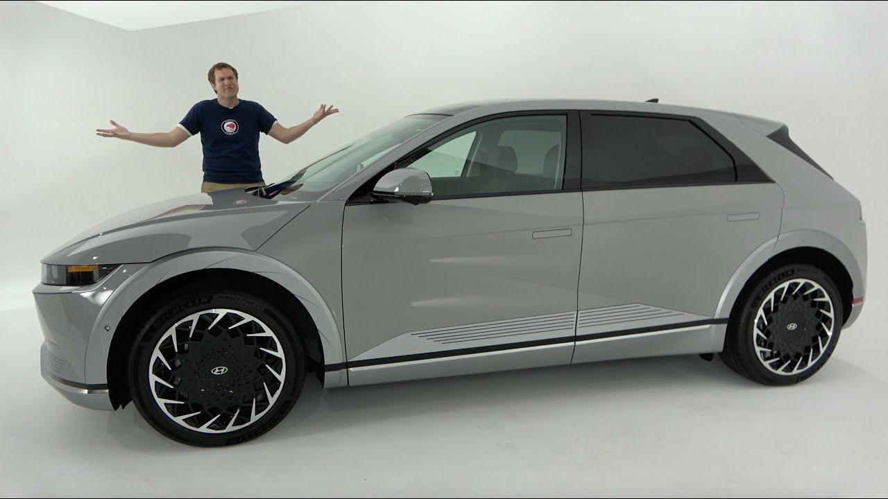 Download The 2022 Hyundai Ioniq 5 Is a Quirky, Futuristic Electric SUV