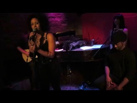 Margot Bingham sings Farewell Daddy Blues