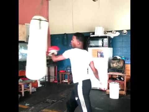 Messie boxing