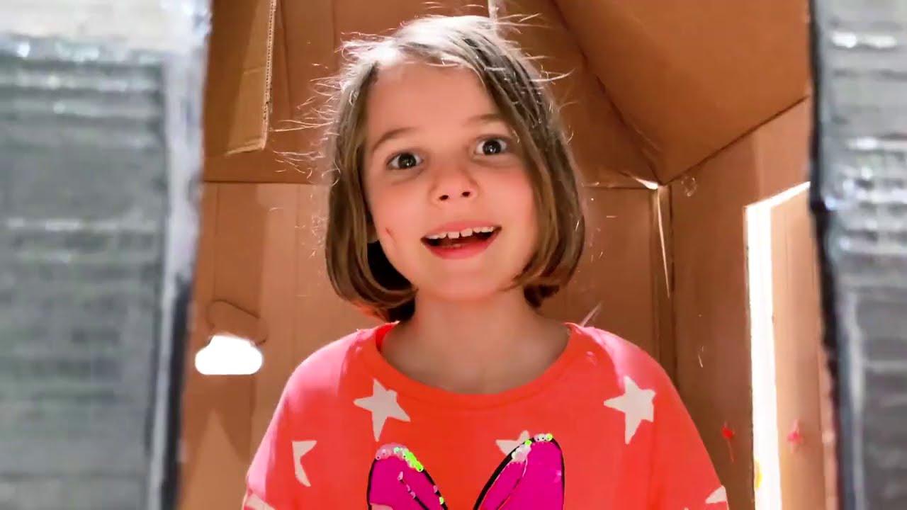 Катя и смешные приключения с полицейским и желейками