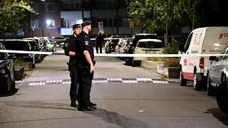 Man allvarligt skottskadad efter skjutning på Docentgatan