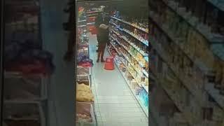 Ковров Кража в Пятерочке Кадры с камеры видеонаблюдения 2