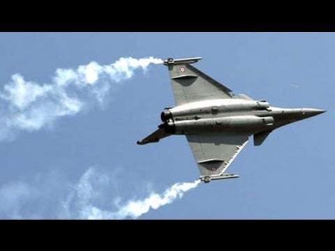 Catch the stars of Aero India 2013 Travel Video