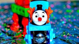 Santa's Little Helper - Thomas The Tank Engine And Friends - Wooden Railway Toy Train Railway Review