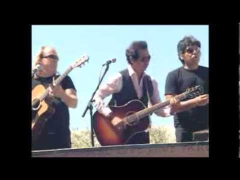 Alejandro Escovedo peformance + interview