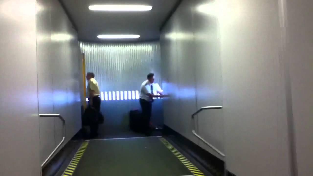 Boarding Frontier Airlines Embraer Erj 190 At Denver