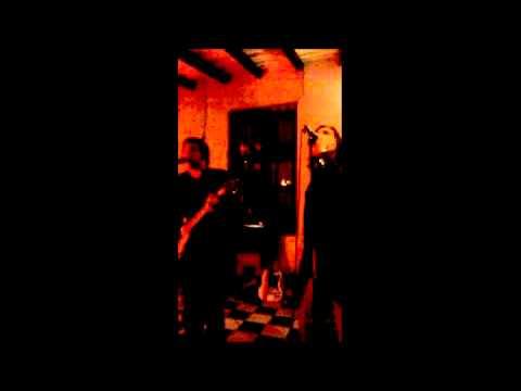 Mad Fer It (Corrientes) - Acquiesce (Oasis Cover)
