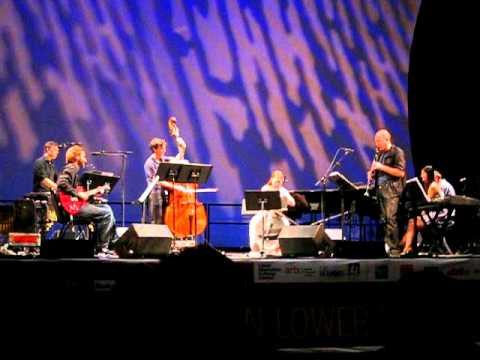Bang on a Can All-Stars with Philip Glass - Closin...
