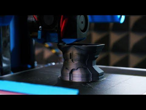Cu banii din Work and Travel si-a facut o afacere cu imprimante 3D. Povestea startup-ului Bitmi