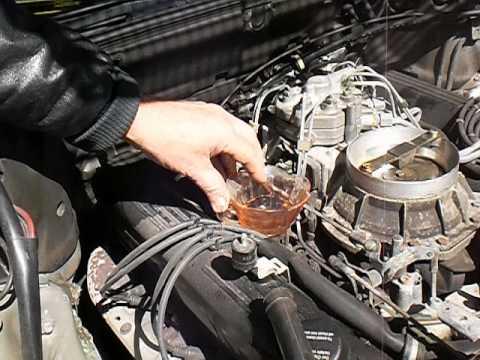 bad fuel pressure regulator 1988 420SEL - YouTube