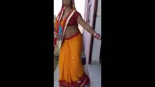 vuclip Desi aunty dancing hot * Dil janglee kabootar