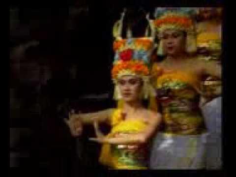 Tari rejang dewa tari tradisional bali