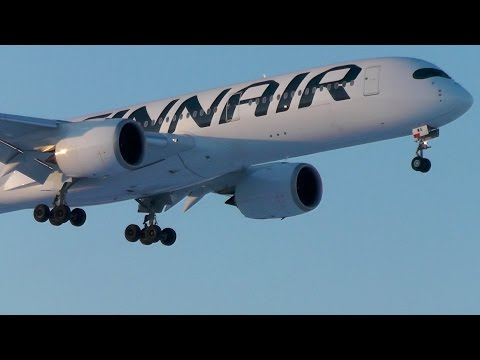 Finnair A350 XWB winter landing in snowy Helsinki