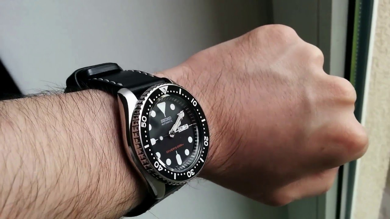 how to stop leather strap watch from smelling