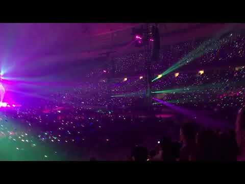 Coldplay in Vancouver 20170929 Paradise