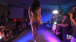 Repeat youtube video Desfile das candidatas do Miss Bumbum 2012