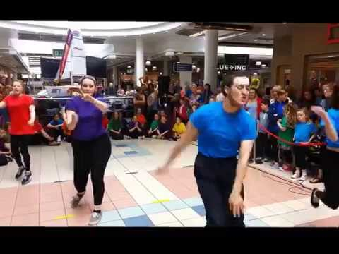 Forum Gets Fresh at Foyleside - Flashmob