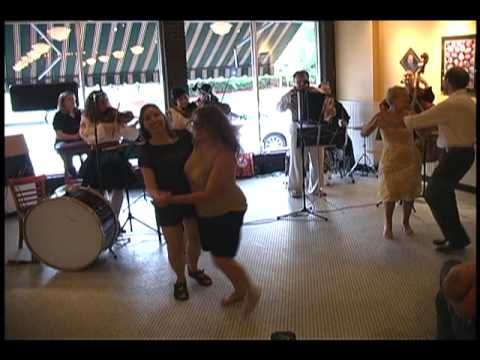 Ukrainian Village Band: Chaban-Oj lopnuv-Pidmanula medley