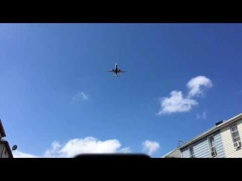 Claim aircraft noise! Insane LaGuardia Airport!