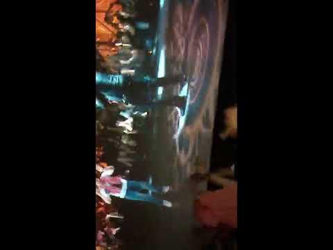 Issaqbaazi Song Zero movie Theater Reaction Of Public Full Dance