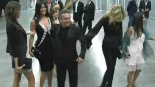 Convivio 2010: il red carpet delle celebrità (Lapo Elkann, Emilio Fede, Etro, Victoria Cabello)