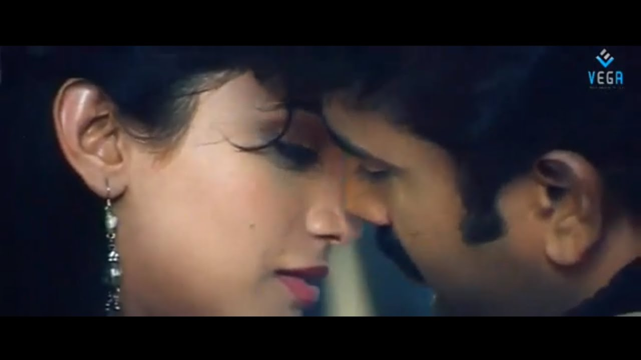 Hero and Heroine Romantic Scene - Kaluva Movie