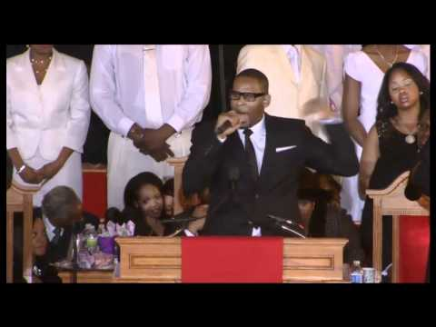 HD! R. Kelly Sings 'I Look to You' at Whitney Houston's Funeral