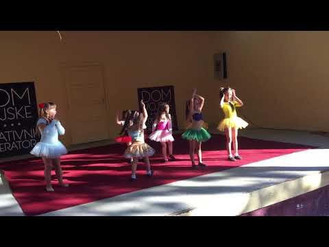 ♥ Frozen Elsa i Ana Otvaraju Prodavnicu Kolača i Torti - Crtani sa Princezama from YouTube · Duration:  3 minutes 6 seconds