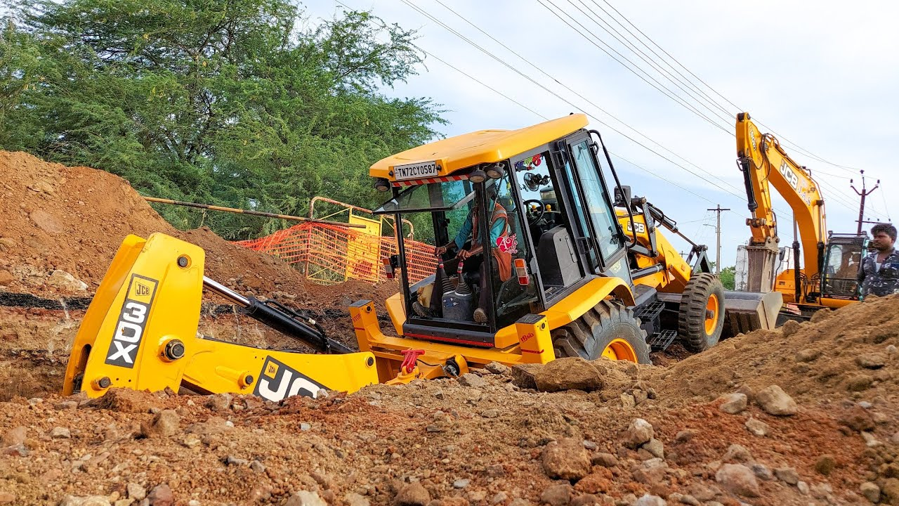 JCB 3DX Pulling Mud and Dig Big New Drainage Trench | jcb video