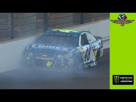 Jimmie Johnson hits wall in three-wide racing