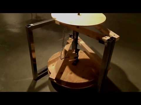 Treadle powered pottery wheel Steel and wood frame
