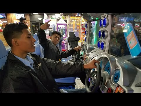 Another racing game at Boomers