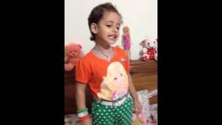 Divyangi sings Aao Bachcho tumhe dikhayen jhanki Hindustan ki...
