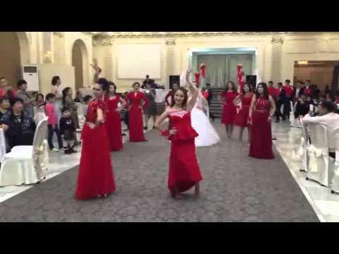 Видео: Самый лучший свадебный флешмоб КУАНЫШ САНИЯ