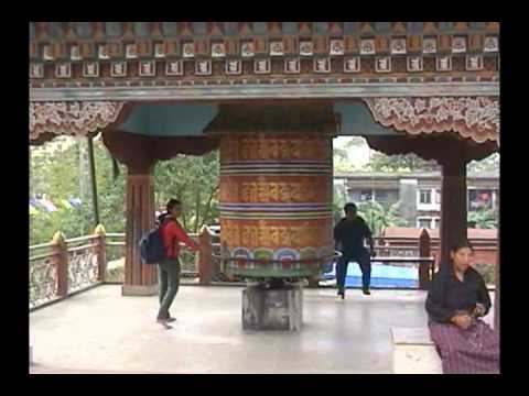 Exploring Phuentsholing while going to Bhutan