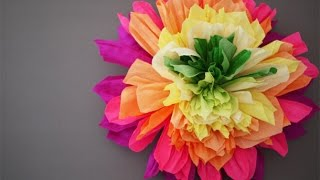 Большие цветы из гофрированной бумаги своими руками(http://expertofwedding.ru., 2015-08-10T16:03:13.000Z)